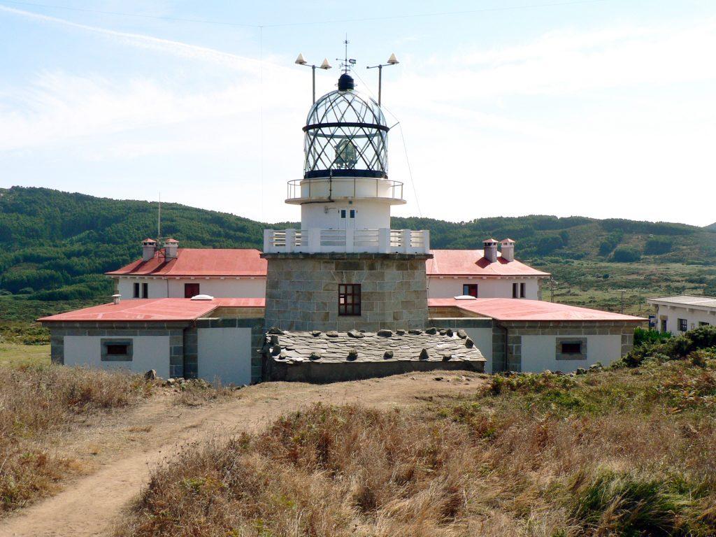 Sitio tranquilo Semana Santa: Faro de Estaca de Bares en la entrada de la ría del Barqueiro