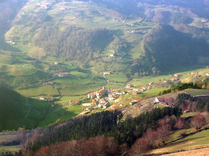 Vista de los municipios de Errezil y Bidegoian desde el Mirador de Guipúzcoa